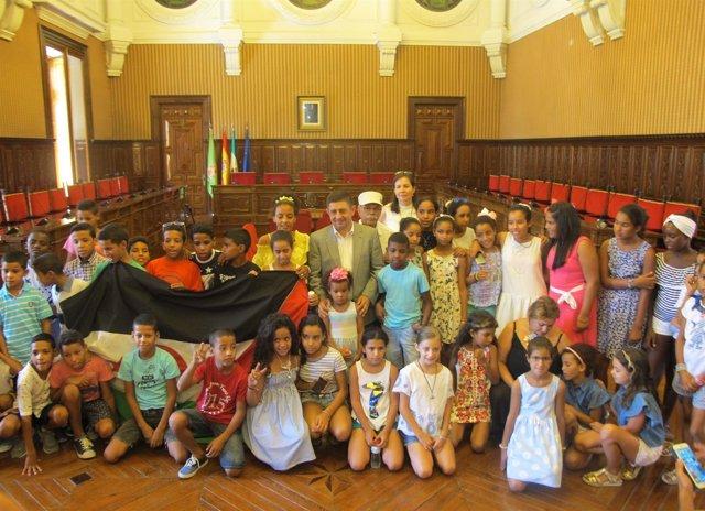 Recibimiento al grupo de menores saharauis