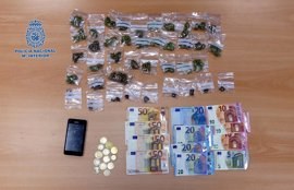 Detenido un joven en Andújar (Jaén) acusado de vender droga a otros jóvenes en la vía pública