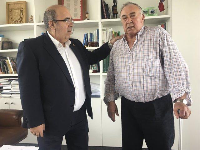 Oria y el alcalde de Pesquera