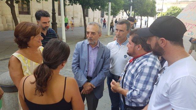 El concejal Juan Manuel Flores se reúne con artistas