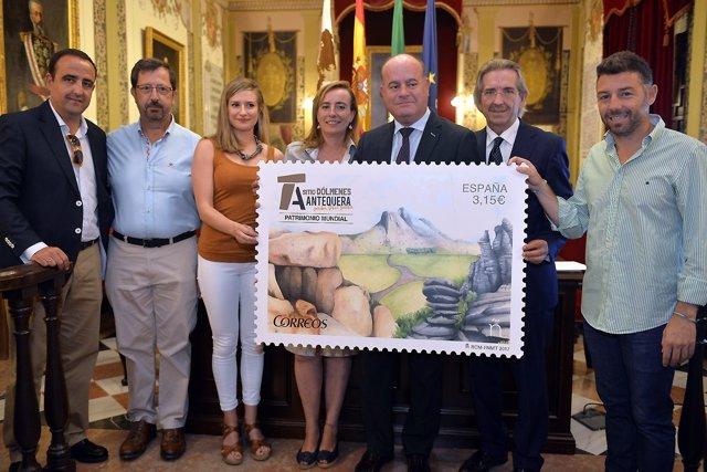 Presentación del sello dedicado a los Dólmenes