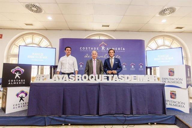 La campaña #playasroquetasdemar difundirá el litoral de Roquetas de Mar.