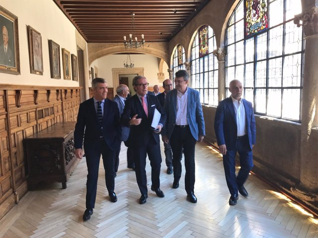 León: reunión Diputación y Cámara de Comecio