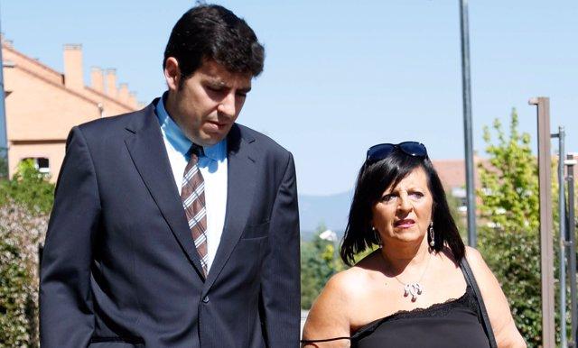 Pilar Abel amb el seu advocat