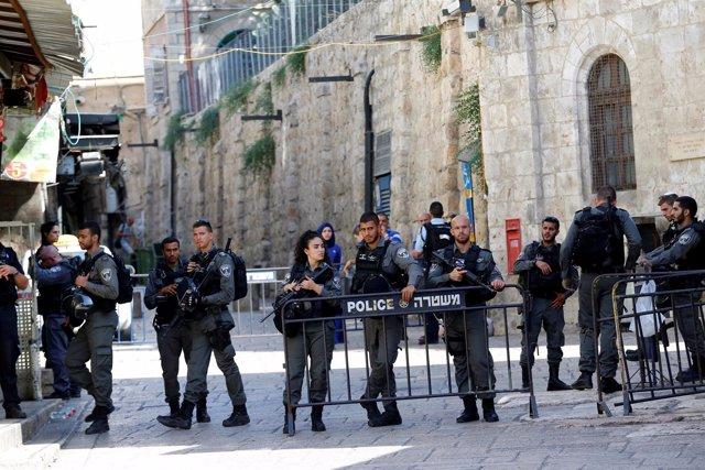 Despliegue policial tras un ataque junto a la Explanada de las Mezquitas