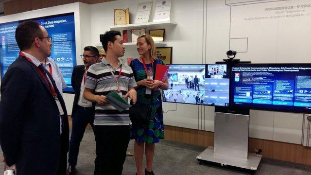 Gastón ha visitado hoy el centro de I+D+i de Huawei en Hangzhou (China)