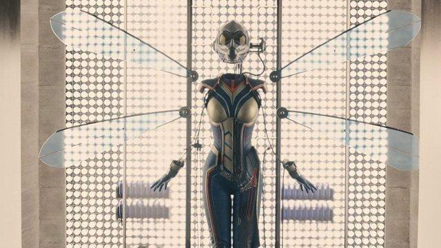 El traje visto al final de Ant-Man