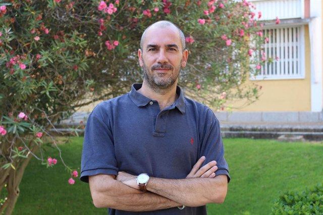 El profesor de la UPO Jose Manuel Menudo, premio 'Ernest Lluch'
