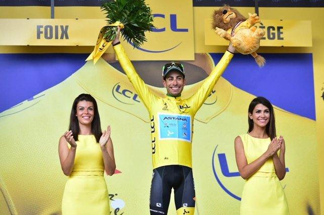 Fabio Aru en lo alto del podio del Tour de Francia