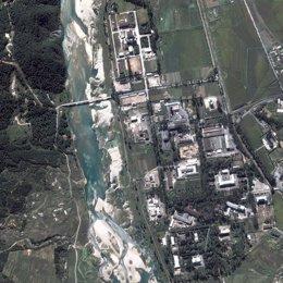 Imagen de satélite del reactor nuclear de Yongbyon