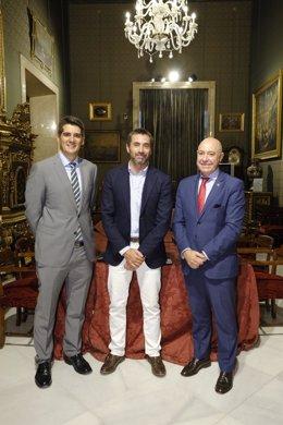 Reunión entre representantes del Ayuntamiento de Sevilla y el Grupo Iberia