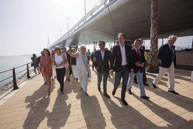 Inauguración del paseo marítimo bajo el Puente de la Constitución 1812