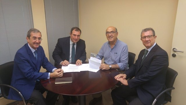Acuerdo entre CajaSur y Proyecto Hombre Sevilla