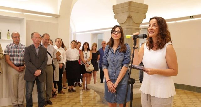 Núria Parlon (PSC) i Mercè Conesa (PDeCAT)