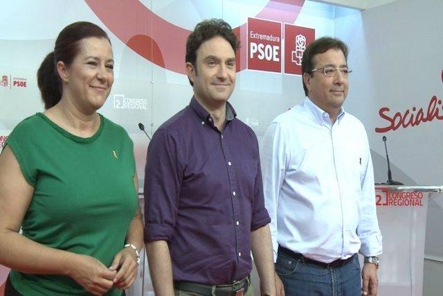 Eva Pérez, Enrique Pérez y Guillermo Fernández Vara, en el debate del jueves