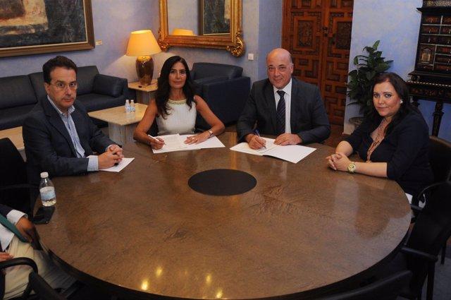 Firma de convenio de la Diputación de Córdoba y Córdobaactiva