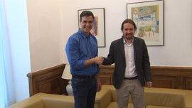 PSOE y Podemos estrechan su relación este lunes con la primera reunión de equipos para hacer frente al PP
