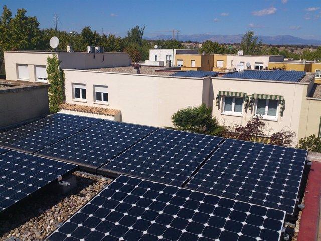 Placas solares instaladas en la urbanización Rosa Luxemburgo