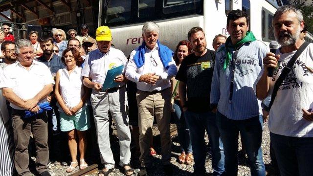 Aspecto de la concentración de CREFCO por la reapertura del Canfranc.
