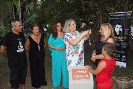 Almuñécar (Granada) rinde homenaje a Camarón de la Isla ante su familia con motivo del 25 aniversario de su muerte