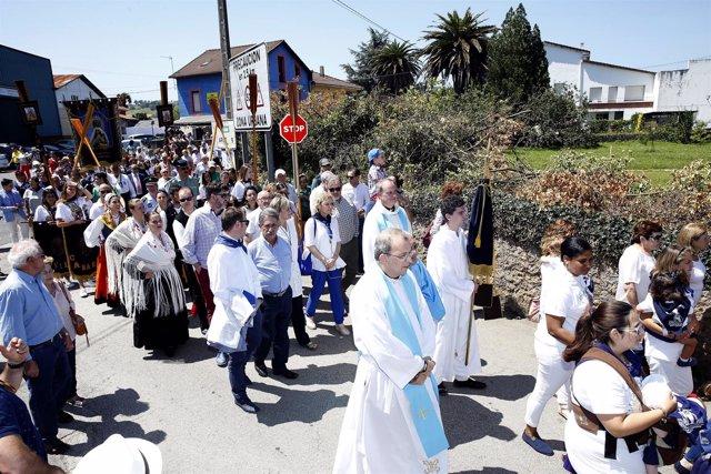 Revilla y Díaz Tezanos en la procesión del Carmen en Revilla
