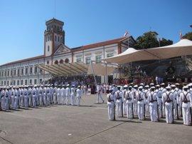 Felipe VI entrega en Marín los Reales Despachos a 196 nuevos oficiales de la Armada