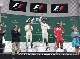 """Hamilton: """"Ha sido el fin de semana perfecto para nosotros"""""""
