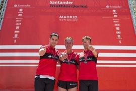 Martín Fiz y su equipo de amateurs terminan segundos en el Santander Triathlon Series Madrid