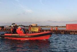 """Greenpeace y ANSE devuelven parte de los escombros de Puerto Mayor """"a sus responsables"""""""