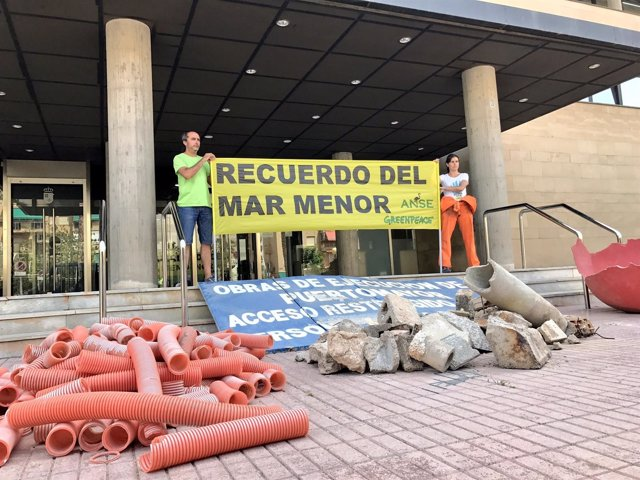 Escombros Puerto Mayor en la Consejería de Fomento