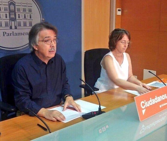 Pericay y Olga Ballester en una rueda de prensa