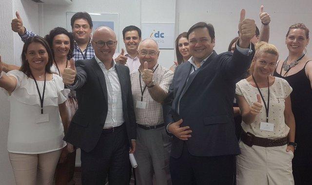 Juan Hernández visita el Servicio de Atención Personalizada