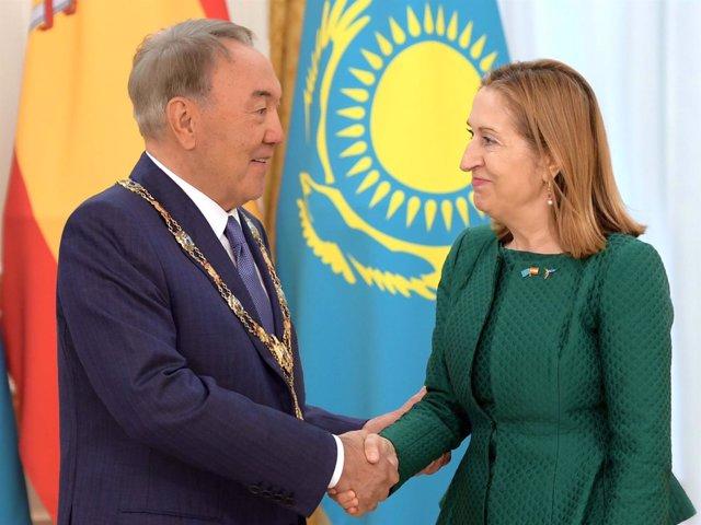 Ana Pastor y el presidente de Kazajstán