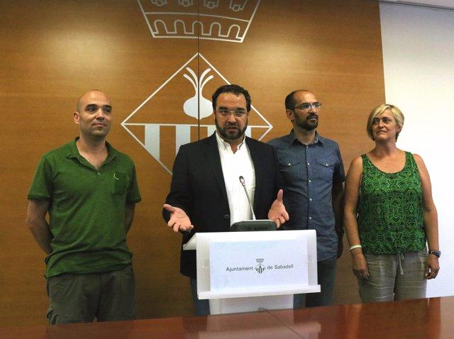 L'alcalde de Sabadell Juli Fernandez i el futur alcalde, Maties Serracant
