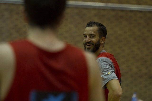 Pau Ribas entrena con la selección española