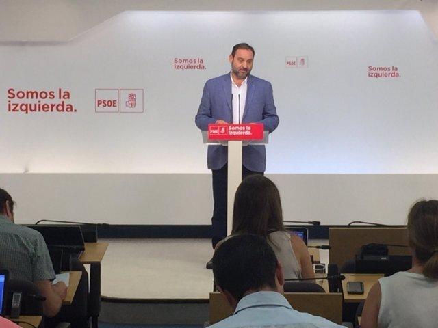 Roda de premsa de José Luis Ábalos a Ferraz