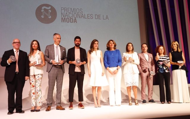 Reina Letizia preside la IV edición de los Premios Nacionales de Moda