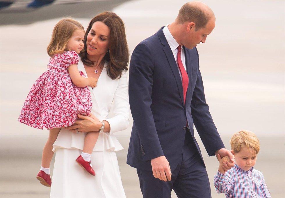 Los duques de Cambridge y sus hijos George y Charlotte