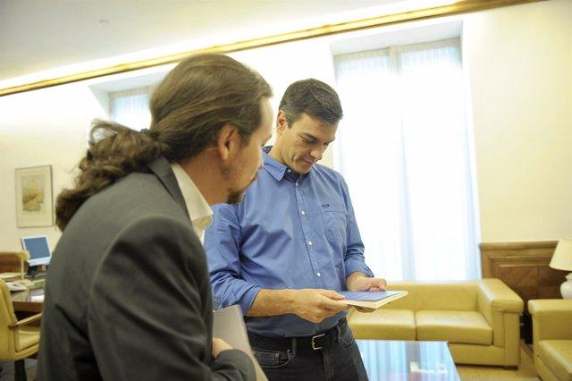 Reunión de Pablo Iglesias y Pedro Sánchez en el Congreso