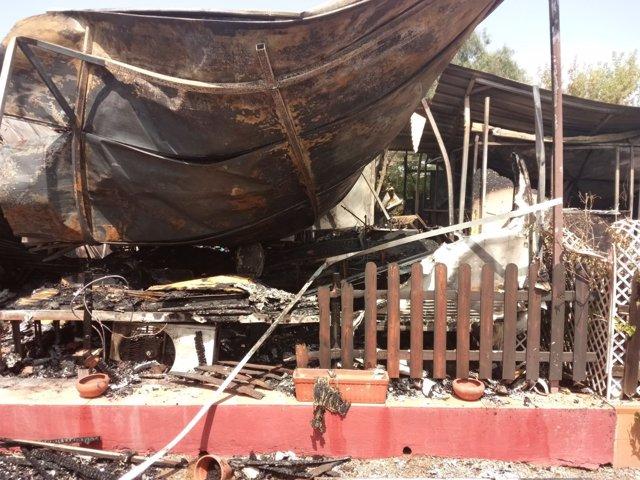 Incendio en el camping de El Puig