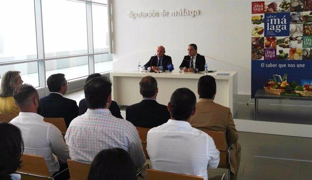 De Guindos con Bendodo y productores agroalimentarios de Málaga