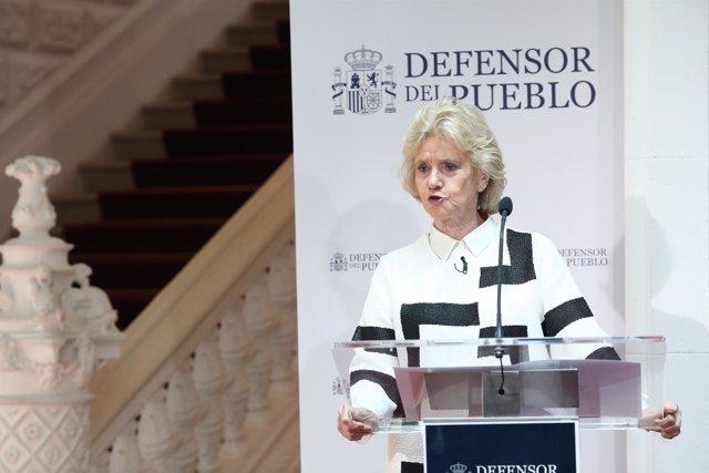 Rueda de prensa de la Defensora del Pueblo, Soledad Becerril