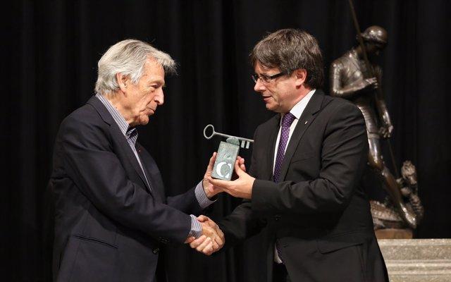 El cineasta Konstantinos Costa-Gavras y el pte. Carles Puigdemont