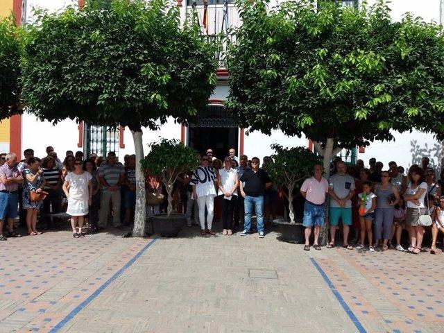 Concentración en La Algaba.
