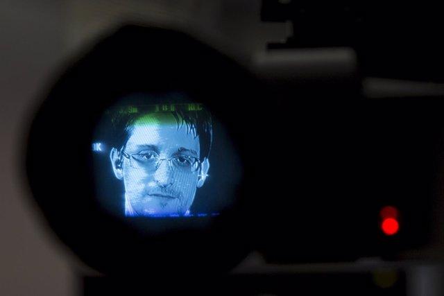 El excontratista de la NSA  Edward Snowden