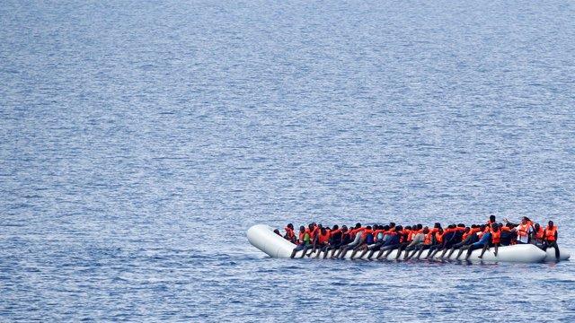 Inmigrantes rescatados en el Mediterráneo por Save The Children