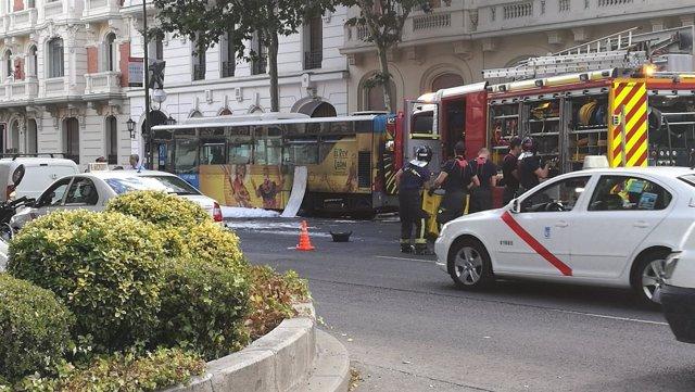 Incendio de un bus en la calle Velázquez