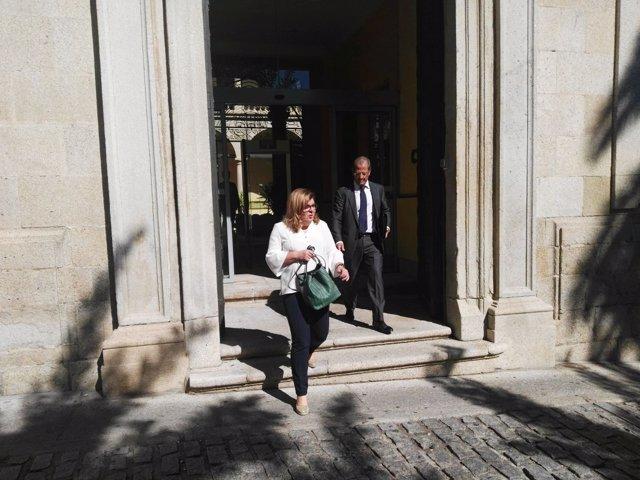 Victoria Dominguez sale de declarar en el TSJEx