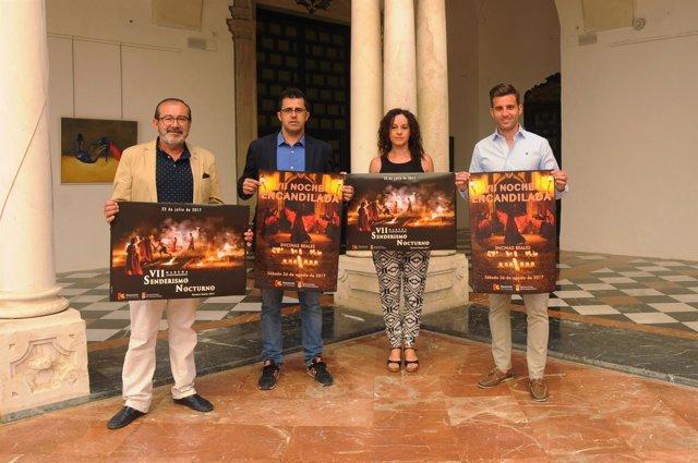 El delegado de Deportes y Juventud en Diputación (dcha.) presenta la actividad