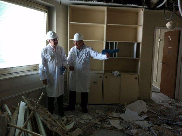 Sánchez Martos visita las obras de mejora en el Hospital Gregorio Marañón